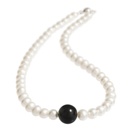 precious pearl and onyx necklace