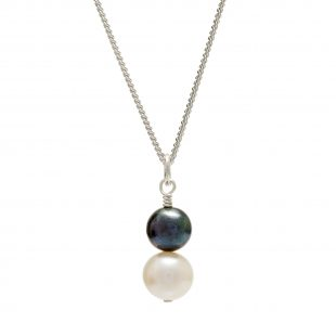 dark and light pearl pendant