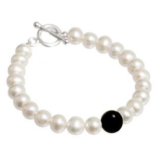 Freshwater Pearl Bracelet with Onyx