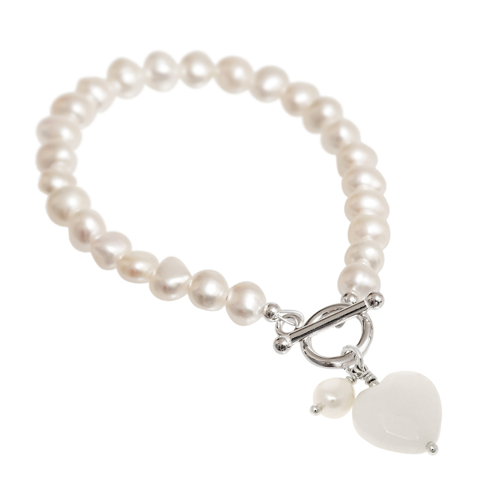 Pearl bracelet with white jade heart