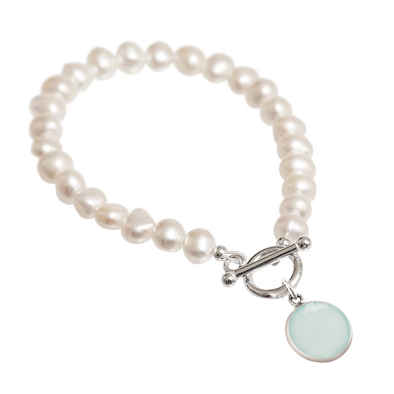 Freshwater pearl bracelet with Chalcedony gemstone