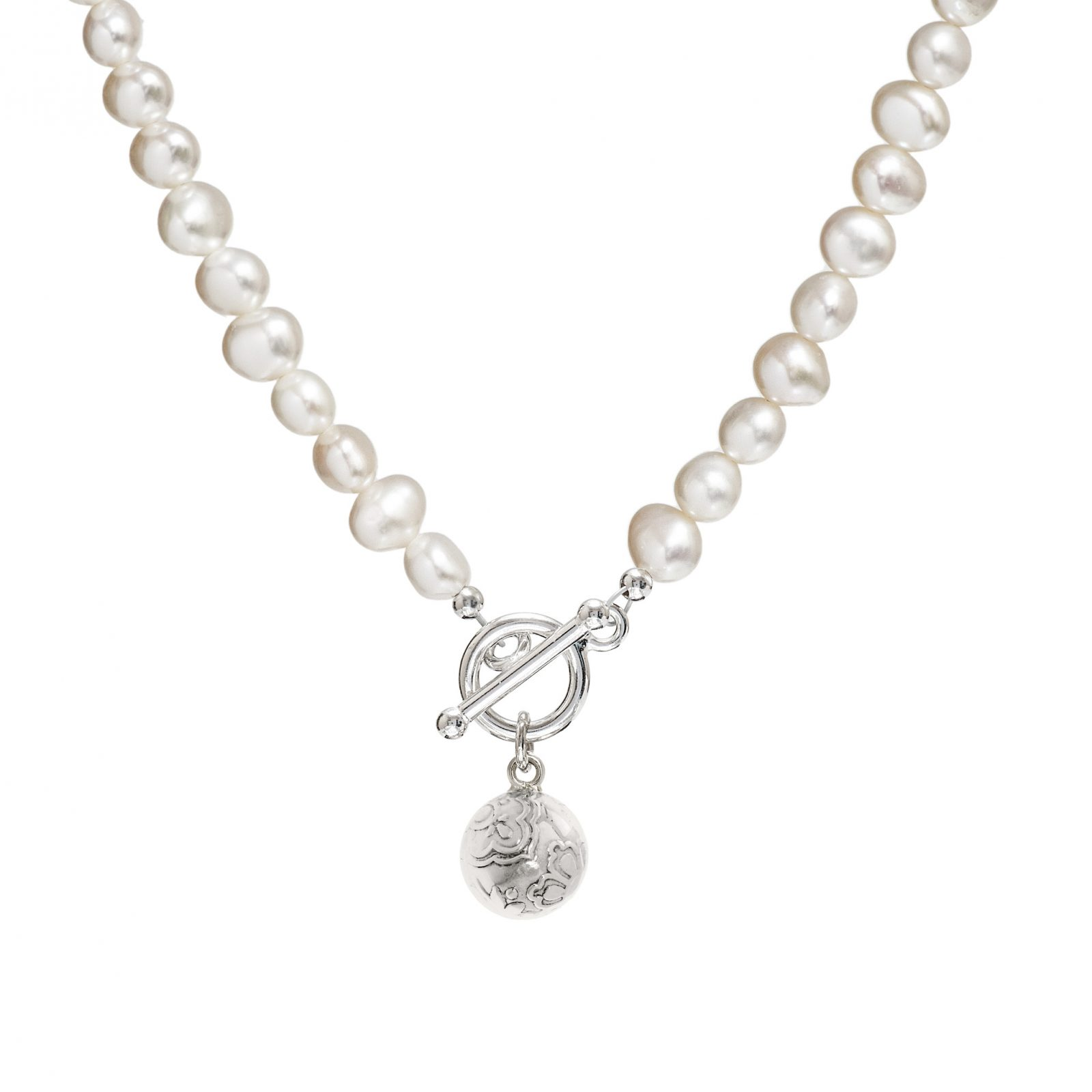freshwater pearl necklace with silver charm